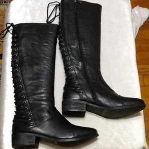 Two Lips Black Leather Boots